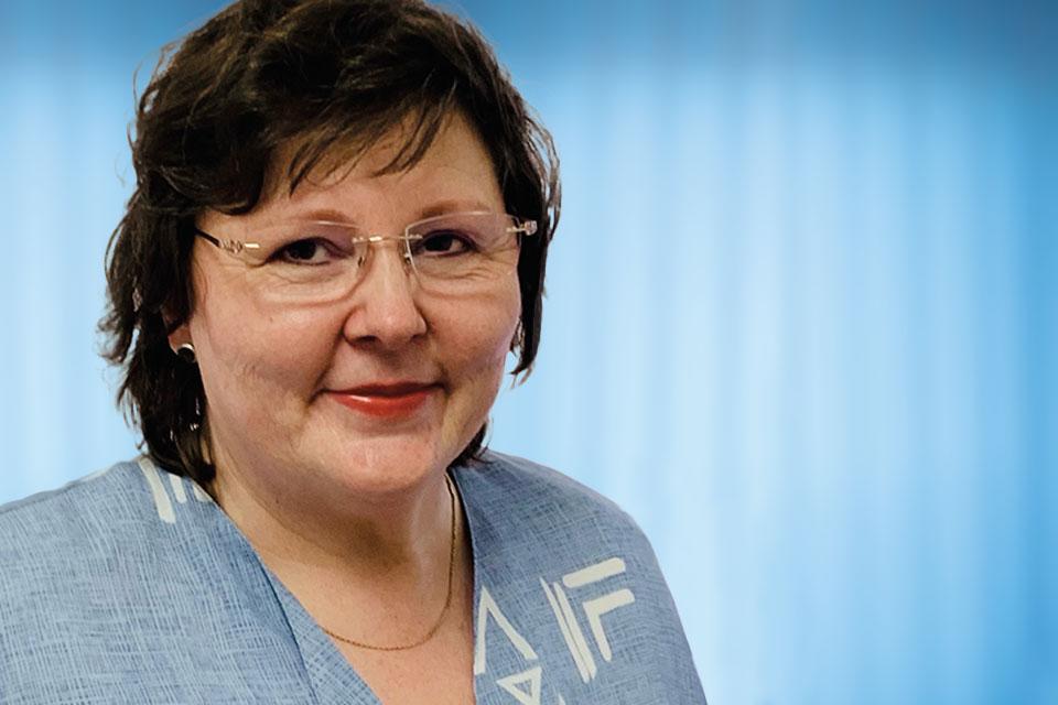 Mendener-Stahlbau-Karin-Flocke-1-Portrait